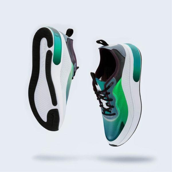 รองเท้าฟุตบอลสีฟ้า